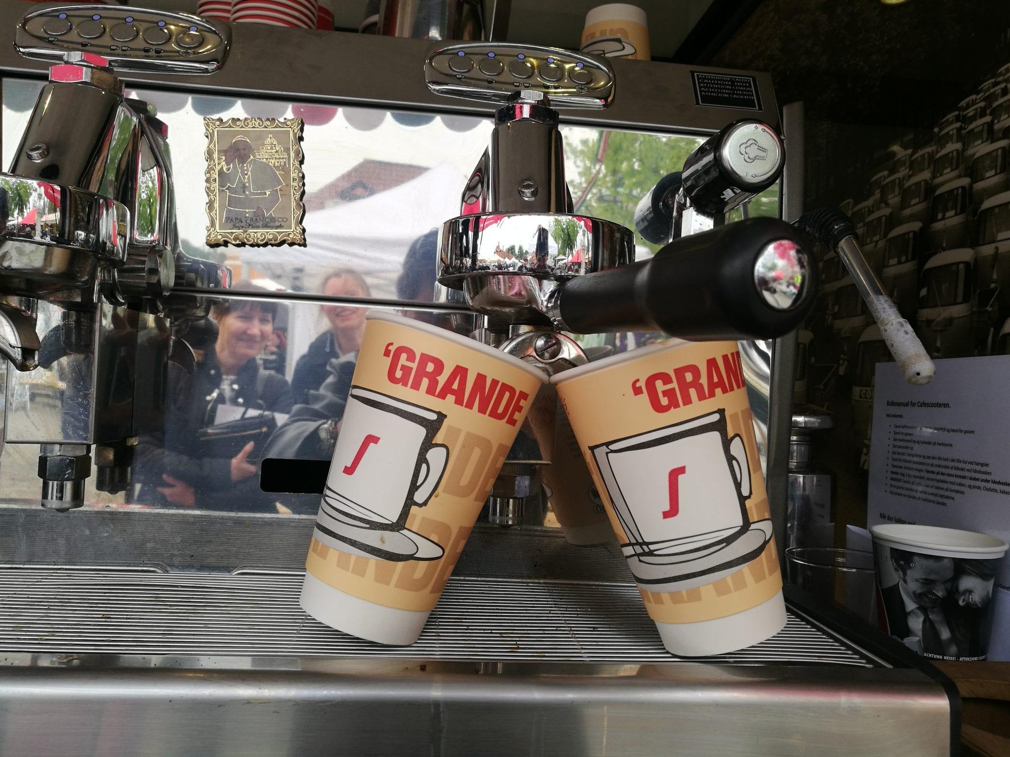 Segafredo Kaffen Bringer Mennesker Sammen